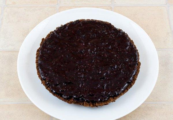 Постный пирог с джемом и глазурью5