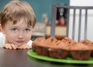 naibolee-rasprostranennye-oshibki-v-detskom-pitanii
