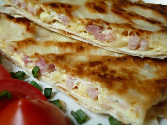 omlet-s-bekonom-v-lavashe