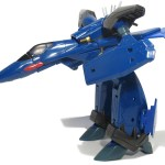 Bandai VF-19 DX 11