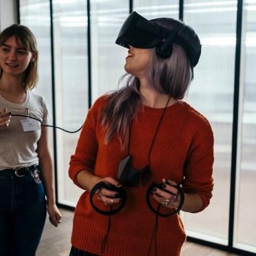 VR-Technologie – kurzlebiger Hype für Tech-Geeks oder vielversprechende Zukunft für den breiten Markt?