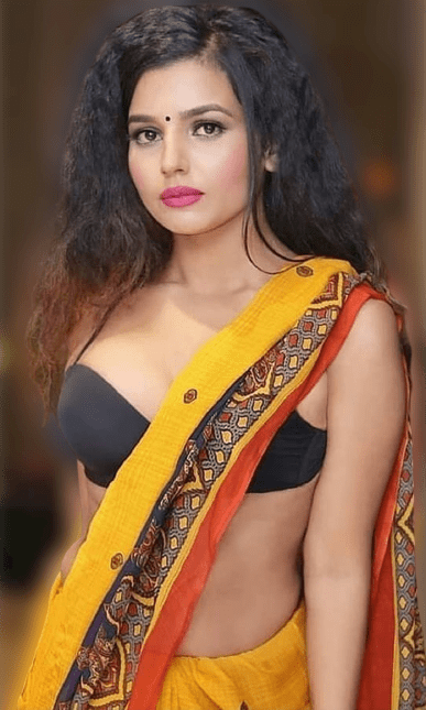 indian cute girl photos with a smile