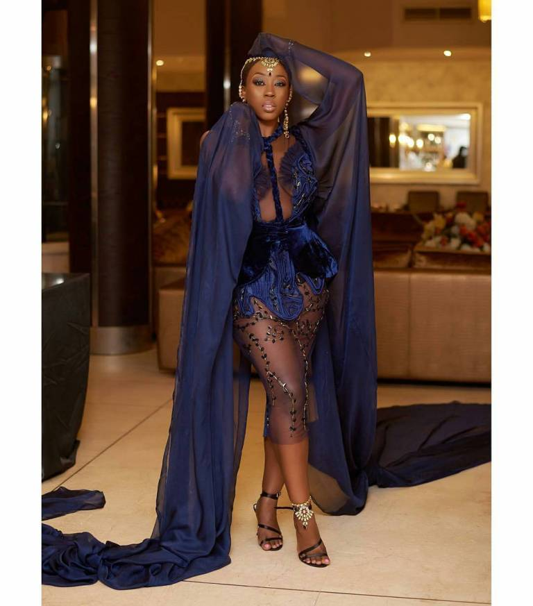 Best Dressed Celebrities At The Wedding Party Premiere – Oye's Pick