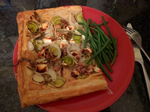 One portion of tart with green beans, delicious and filling