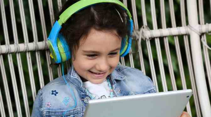 Win Bubbles Kids Headphones from ttec