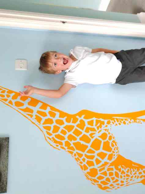 Giraffe wall sticker