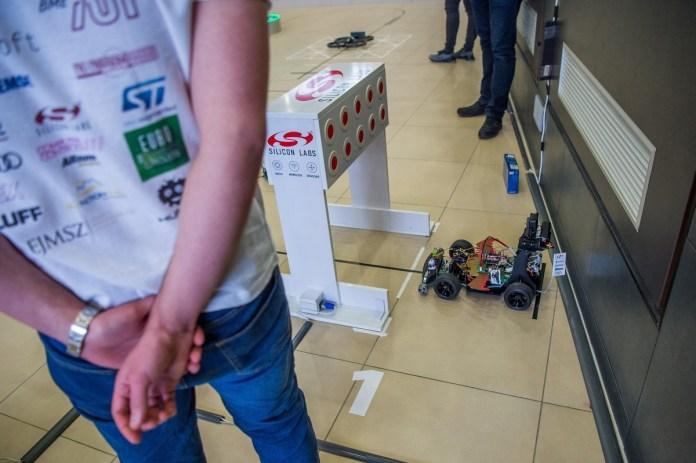 Robotépítõ-verseny Budapesten