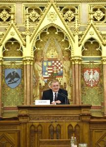 Lezsák Sándor (Fidesz), az Országgyűlés alelnöke, rendezvény fővédnöke