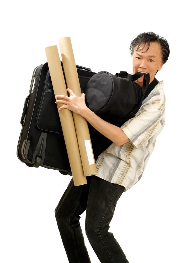 先生特有の学校内を移動する大荷物