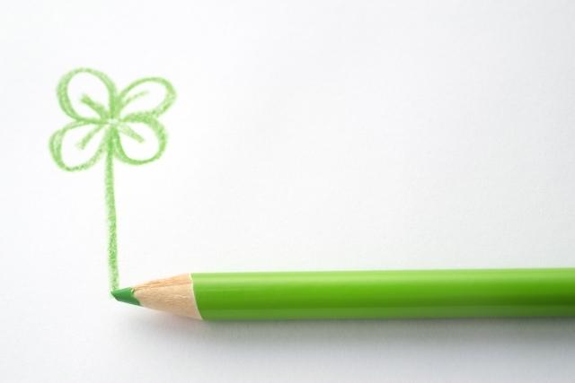 黄緑の色鉛筆