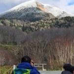 八甲田山系も初冠雪(2019年11月5日)=平年より19日遅く
