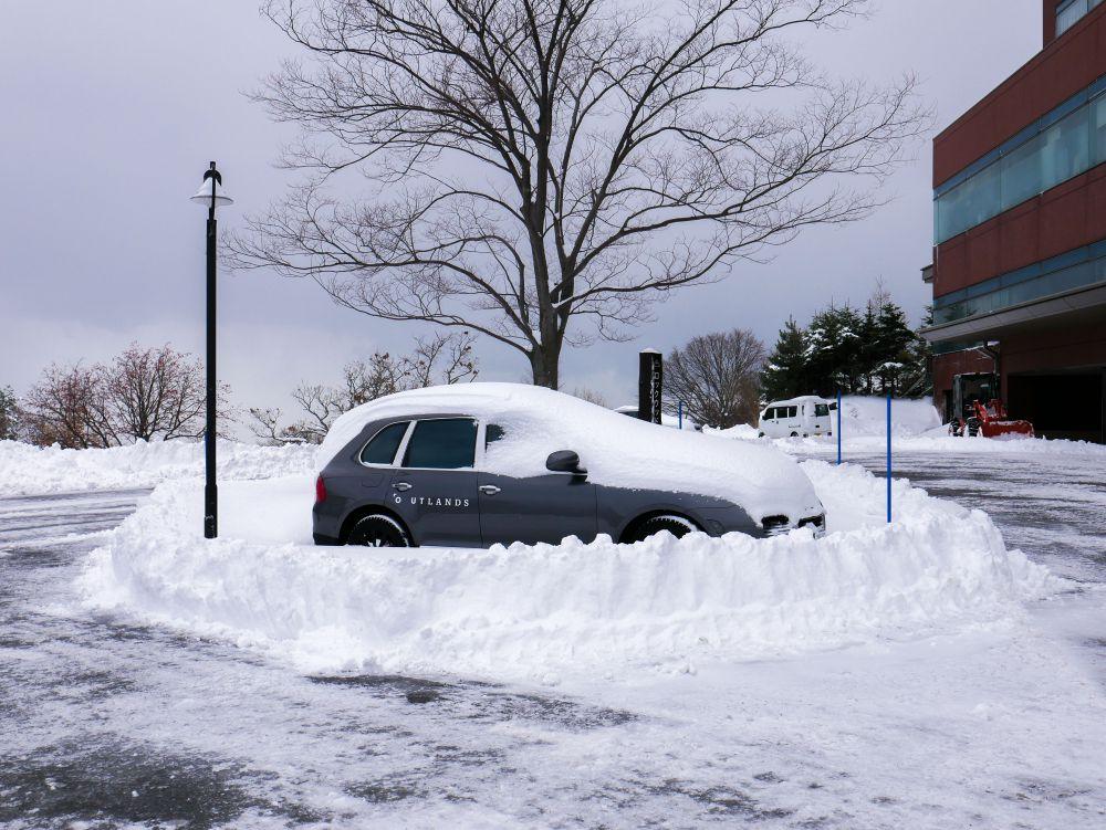 Rockwood Hotel car park after snow storm nov 17