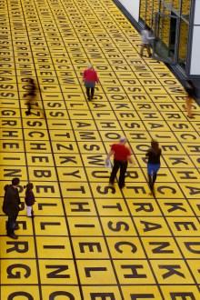 Berlinische Galerie, Buchstabenfeld mit Künstlernamen, Landesmuseum für Moderne Kunst, Art On Screen - NEWS - [AOS] Magazine
