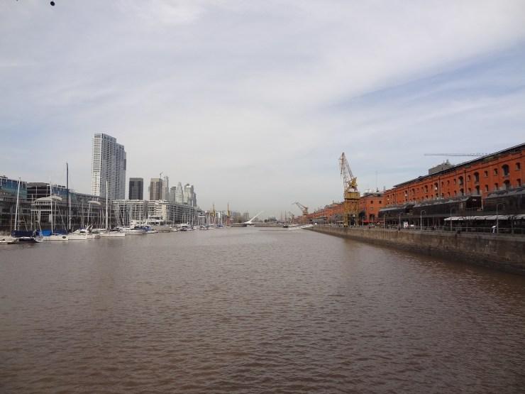 Rio da Prata em Puerto Madero e a Puente de la Mujer