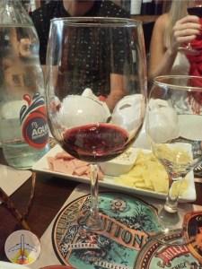o-que-fazer-em-buenos-aires-degustação-de-vinho-225x300 O que fazer em Buenos Aires (além do tradicional)!