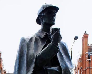 Cenários-e-Museu-de-Sherlock-Holmes-em-Londres-ESTATUA-BAKER-STREET Cenários e Museu de Sherlock Holmes em Londres