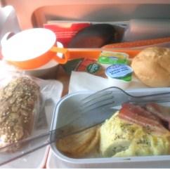 como-é-voar-com-a-TAAG-para-Luanda-e-Cape-Town-almoço Como é voar com a TAAG para Luanda e Cape Town