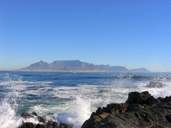 sea-mountain-scape-cape-town
