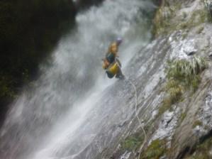 Thomas sous la cascade de 30m, Thunder Creek