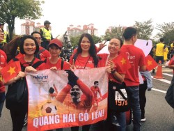 Áo thun Việt Nam vô địch khẳng định tinh thần mạnh mẽ của người Việt trước đội tuyển Malaysia. - hinh-that-100 - 48281566 10213325063097475 2581339503117467648 n