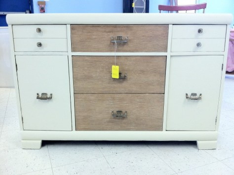 Photo furniture white bureau