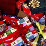 中学生のクリスマスプレゼントは親からサンタさんから?金額の相場は?