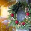 クリスマスリースは毎年変えるべき?リースを玄関にかける意味とは?