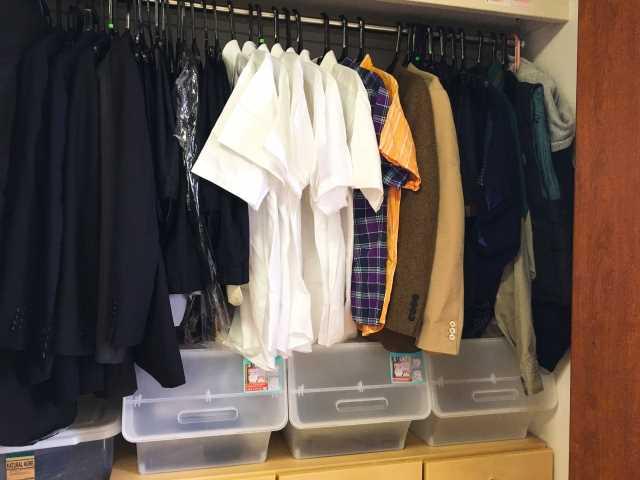 衣替えで収納しておいた服に臭いがつく原因と対処方法!