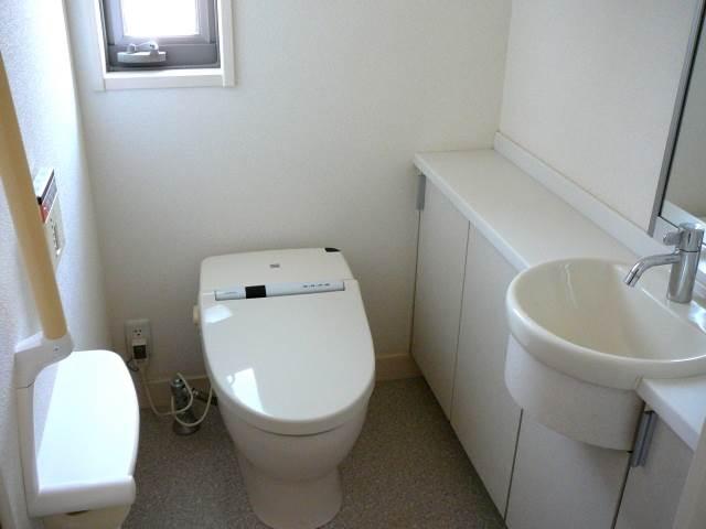 トイレのアンモニア臭を取り除くには?除菌とノロ対策も同時に!