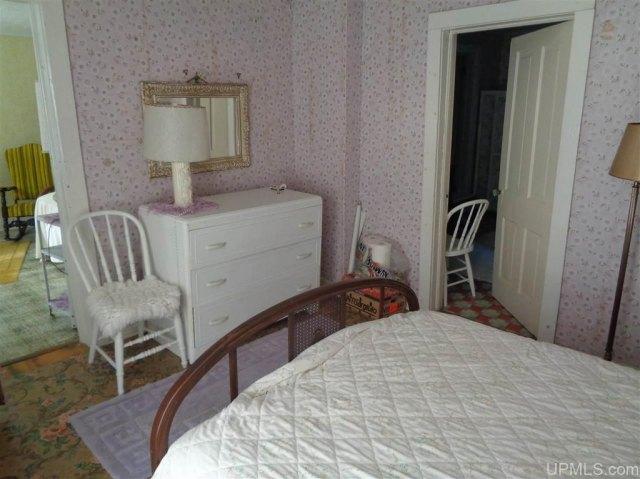 Bedroom featured at 25431 Oak St, Calumet, MI 49913