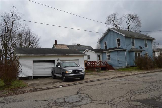 House view featured at 422 W Parkway St, New Castle, PA 16101