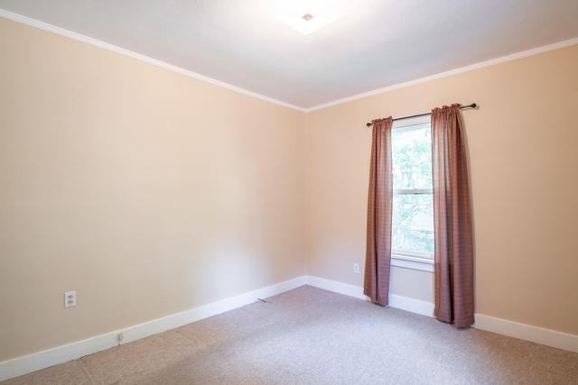 Bedroom featured at 2100 W Edna Ct, Peoria, IL 61604