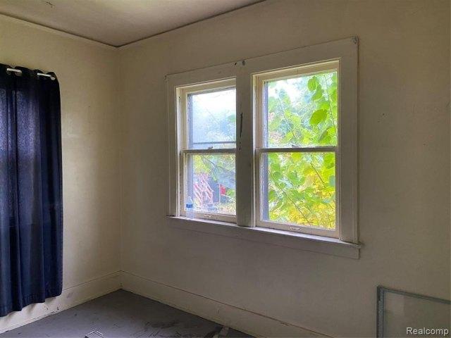 Bedroom featured at 2200 Lakewood St, Detroit, MI 48215