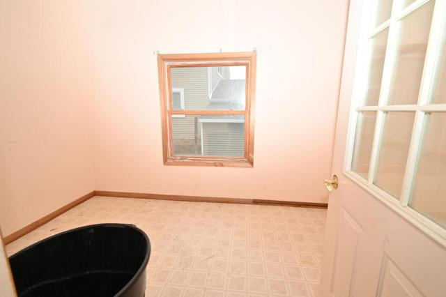 Laundry room featured at 1014 James Ave, Albert Lea, MN 56007