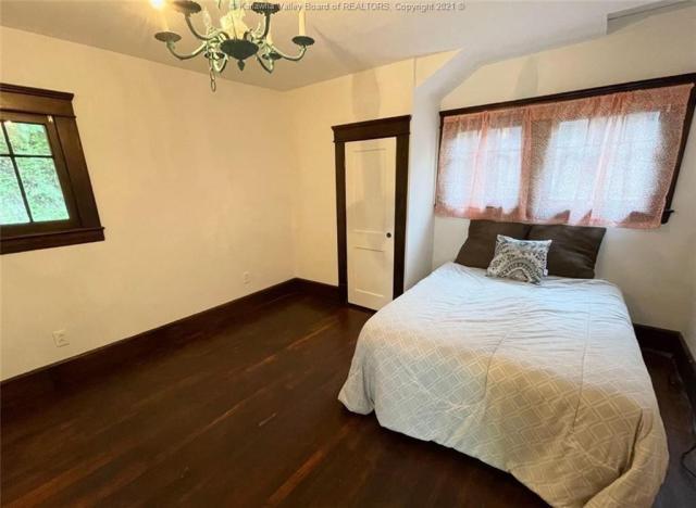 Bedroom featured at 1321 Maccorkle Ave SE, Charleston, WV 25314