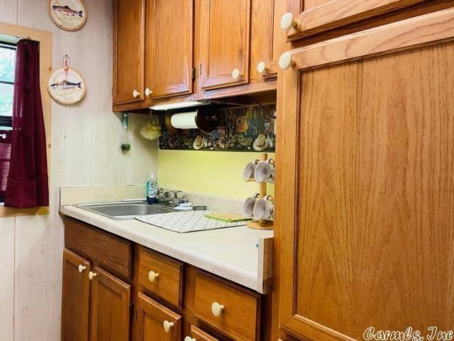 Kitchen featured at 13 Lakeshore Ln, Conway, AR 72032