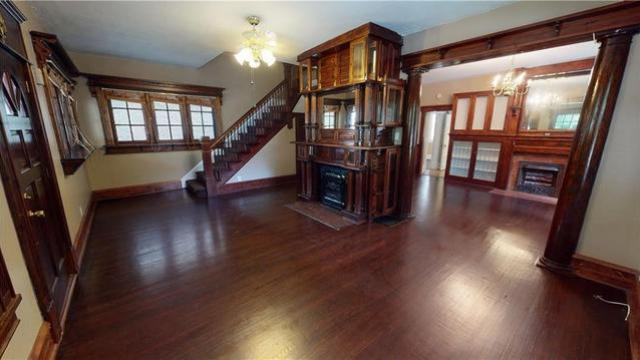 Living room featured at 1044 W Main St, Decatur, IL 62522