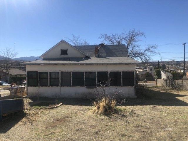 Garage featured at 145 N Sutherland St, Globe, AZ 85501