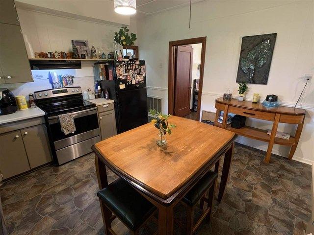 Kitchen featured at 1307 Locust St, Texarkana, AR 71854
