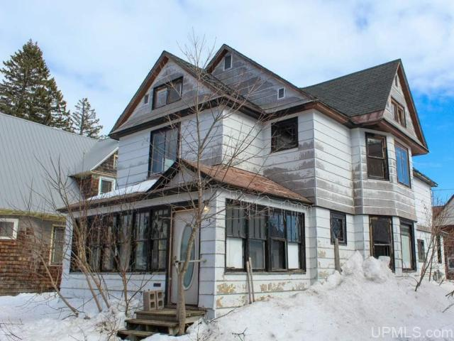 House view featured at 122 Ahmeek St, Laurium, MI 49913