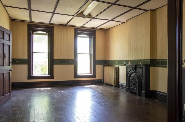 Living room featured at 218 E Main St, Wabash, IN 46992