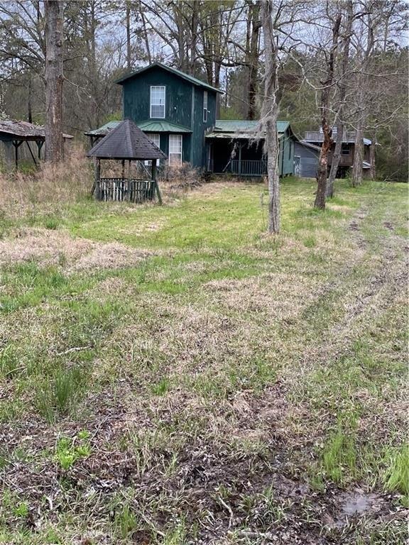 Yard featured at 488 Jd Camp Rd, Atlanta, LA 71404