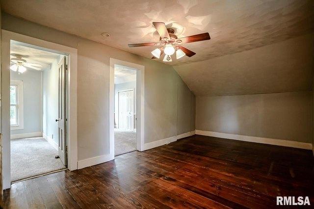 Property featured at 367 E Fulton St, Farmington, IL 61531