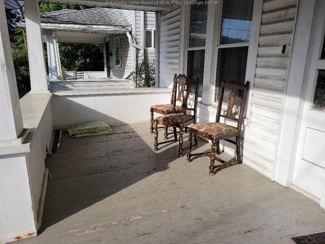 Porch featured at 111 Fitzgerald St, Charleston, WV 25302