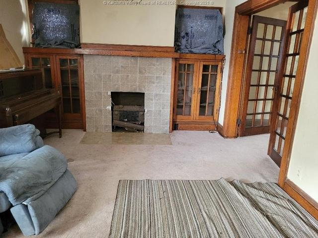 Living room featured at 111 Fitzgerald St, Charleston, WV 25302