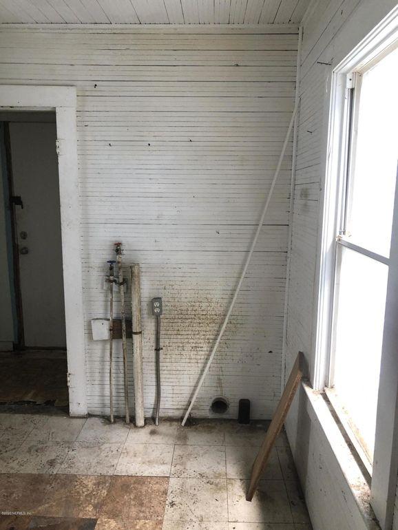 2009 Mc Quade St, Jacksonville, FL 32209