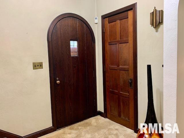 Property featured at 1216 8th Ave S, Clinton, IA 52732