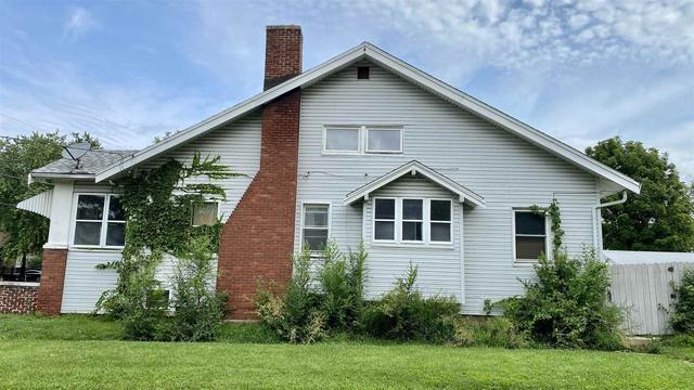 House view featured at 2400 N Delaware Ave, Peoria, IL 61603
