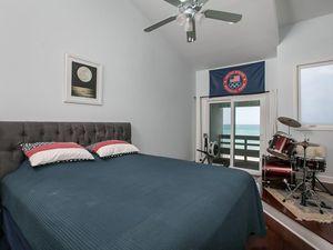 210 S Monterey Dr Vero Beach Fl 32963 Bedroom