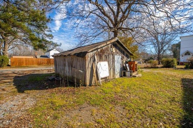 Farm land featured at 119 Church St, Kenbridge, VA 23944